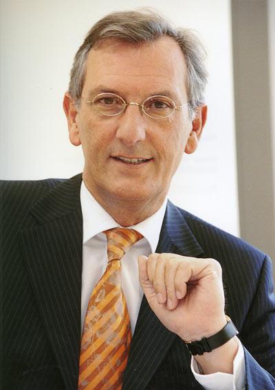 Ron Bonsen zum Director Marketing & Sales ernannt